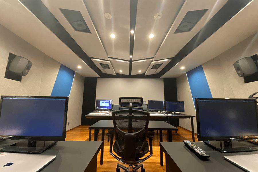 halfhp_studio02_3.png
